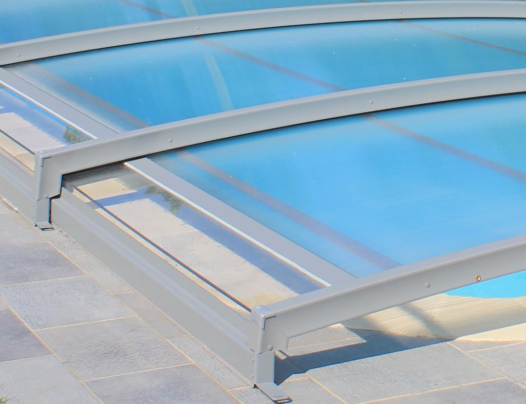 Zwembadoverkapping plaatsen